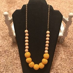 ModCloth woodenbeaded necklace- NWT